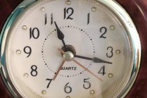 het-kleine-genoegen-schoonhedisinstituut-klokje